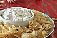 Vidalia Onion Dip Mix: Long a favorite mix that combines onions and curly scallions, resulting  in a delicious  flavor . A best seller